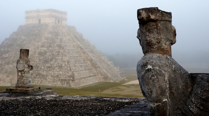 185_A_slider_chichen_itza_1