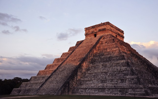 185_A_slider_chichen_itza_3